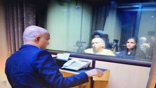 Kulbhushan Jadhav mother Avantika foiled Pakistan conspiracy while meeting with son in Islamabad
