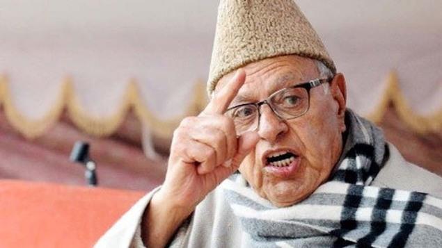 Farooq Abdullah hits back Vinay katiyar says India belongs to all. Vinay Katiyar have said that all muslims must leave India. विनय कटियार, फारुख अब्दुल्ला,